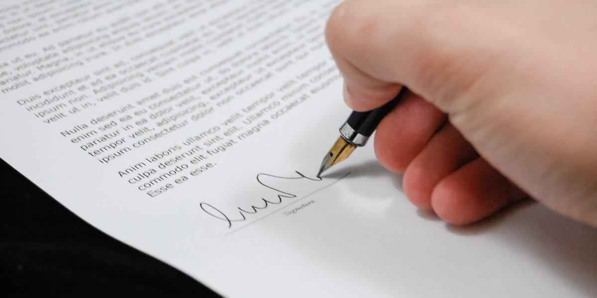 Cómo solicitar una nueva visa sujeta a contrato cuando la relación laboral con tu empleador ha terminado