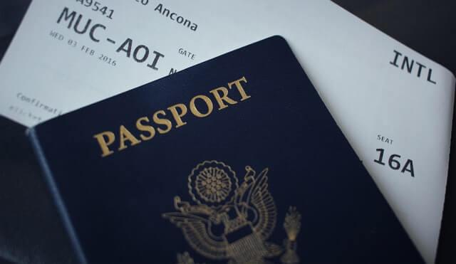 Cláusula de viaje: Un anexo al contrato de trabajo que dio origen a una visa sujeta a contrato no exime al empleador de su obligación de pagar los pasajes al trabajador extranjero immichile