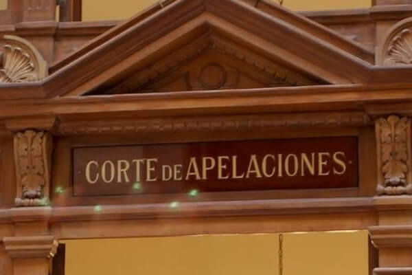 Corte de Apelaciones de Santiago acoge recurso de protección y ordena a Consulado a tramitar prórroga de Permanencia Definitiva immichile