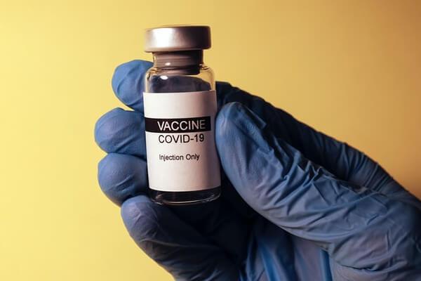Se publica Resolución que excluye del proceso de vacunación a turistas chile immichile covid19 coronavirus MINSAL